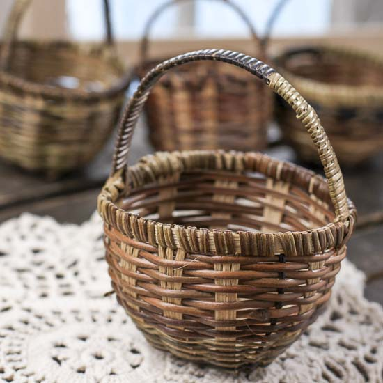 How To Weave A Mini Basket : Miniature woven market basket miniatures view all