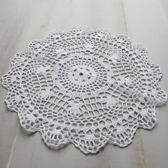 Crochet Doilies : Round White Crocheted Doilies - Crochet and Lace Doilies - Home Decor