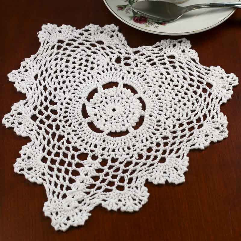 Crochet Doilies : White Heart Crocheted Doily - Crochet and Lace Doilies - Home Decor