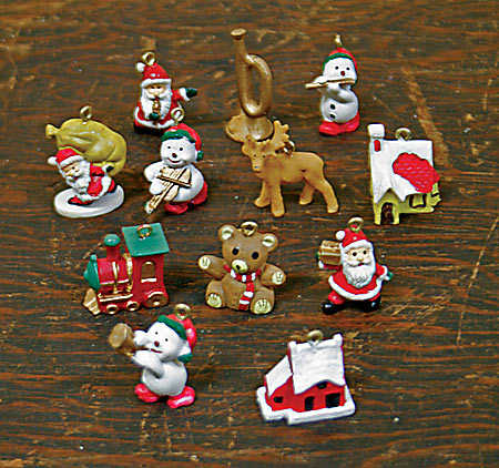 item mco miniature christmas theme ornaments - Mini Christmas Decorations