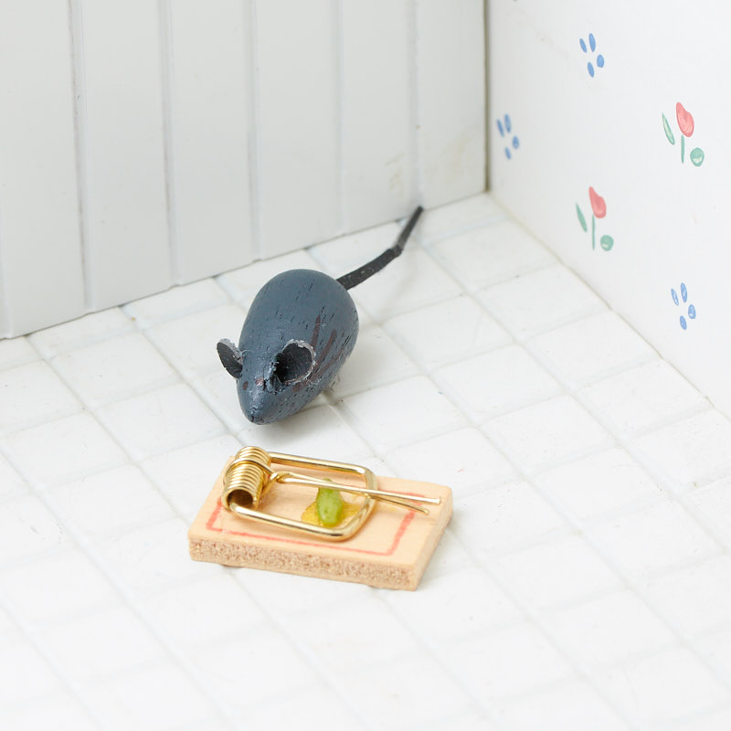 Dollhouse Miniature Grey Little Mouse and a Mouse Trap