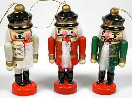click here for a larger view - Christmas Decorations Wooden Soldiers
