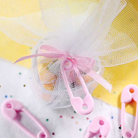Pink baby diaper pins shower favors it 39 s a girl theme for Baby shower diaper decoration