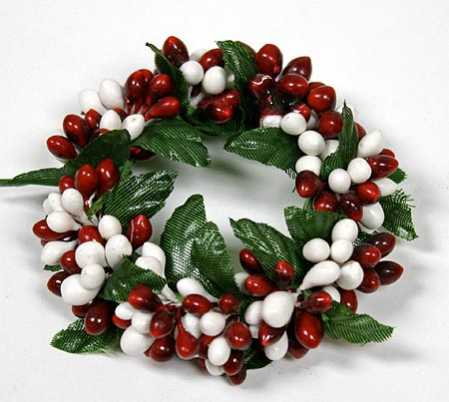 Red And White Pip Berry Candle Ring Pip Berries