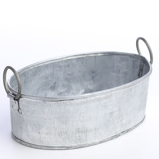 Small vintage galvanized oval tub baskets buckets for Old galvanized bathtub