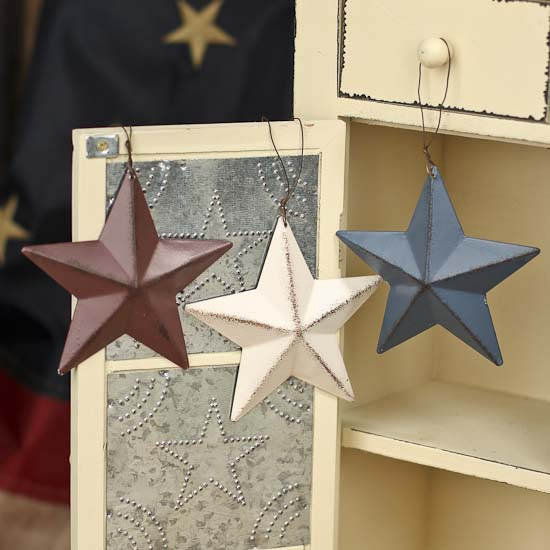 Primitive Metal Barn Star Ornament