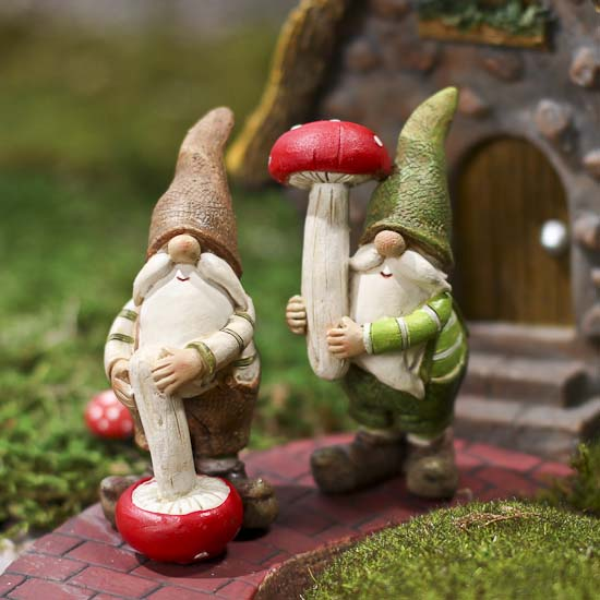 Set Of 2 Miniature Resin Gnomes Fairy Garden Miniatures