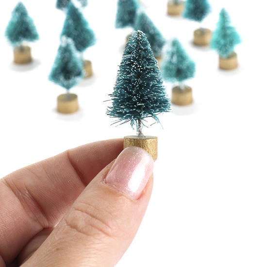 Miniature Frosted Green Bottle Brush Trees   Christmas Miniatures    Christmas And Winter   Holiday Crafts