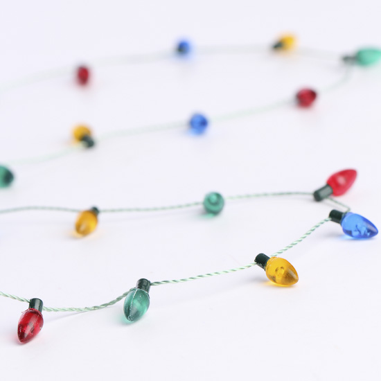 Miniature christmas light bulb garland doll making for Clip lights for crafts