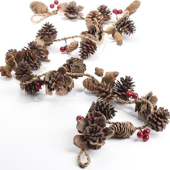 Natural Pinecone And Berry Garland Christmas Garlands