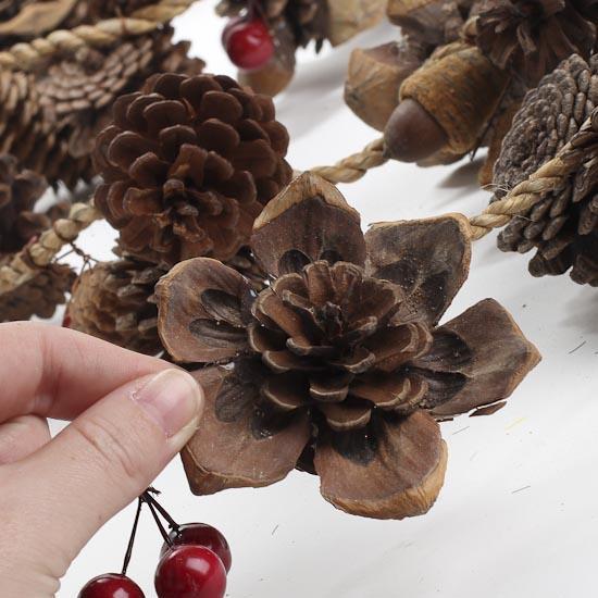 Natural Pinecone and Berry Garland - Christmas Garlands ...