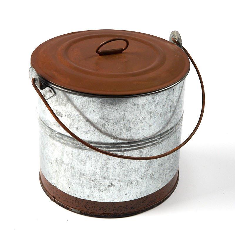 Rusty Tin And Galvanized Lunch Bucket Baskets Buckets