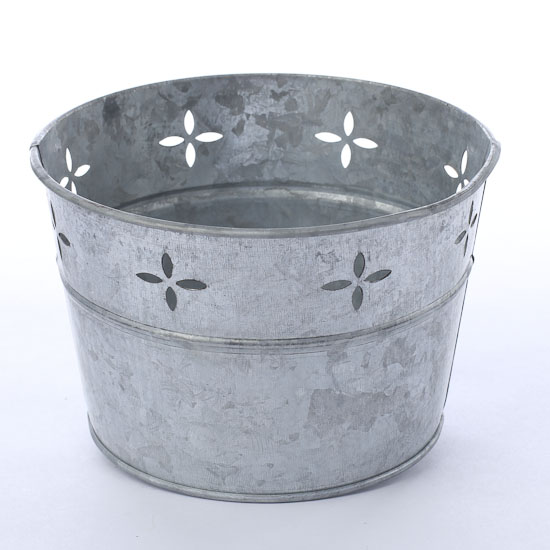 Galvanized metal tub baskets buckets boxes home decor for Galvanized bathtub