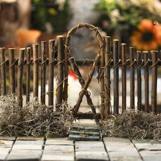 Woodland Twig Garden Fence Natural Grapevine Floral
