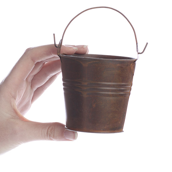 Small primitive rusty tin pail what 39 s new dollhouse for Tiny metal buckets