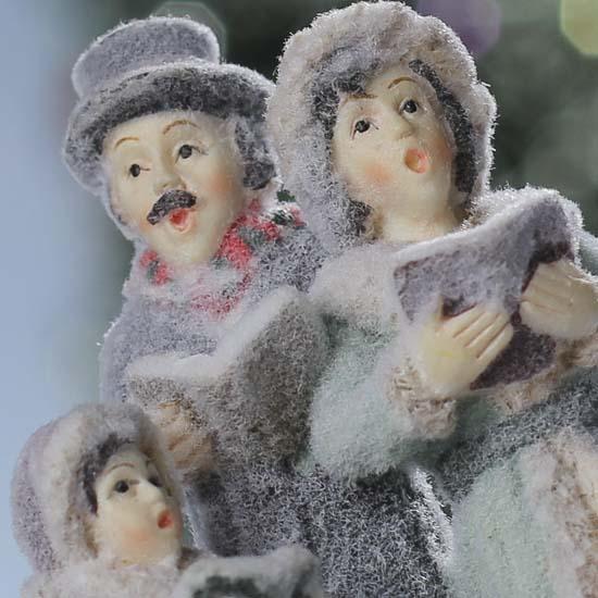Victorian Carolers Figurines: Miniature Victorian Carolers Figurine