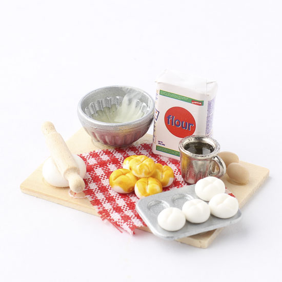 Miniature Tabletop Baking Bread Pan And Baking Items