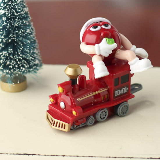 Click Here For A Larger View - M&M Train Ornament - Table Decor - Christmas And Winter - Holiday Crafts