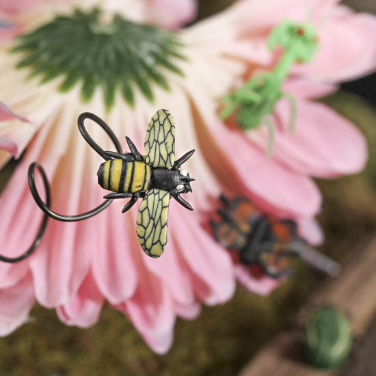 Gnome Garden: Miniature Artificial Insects