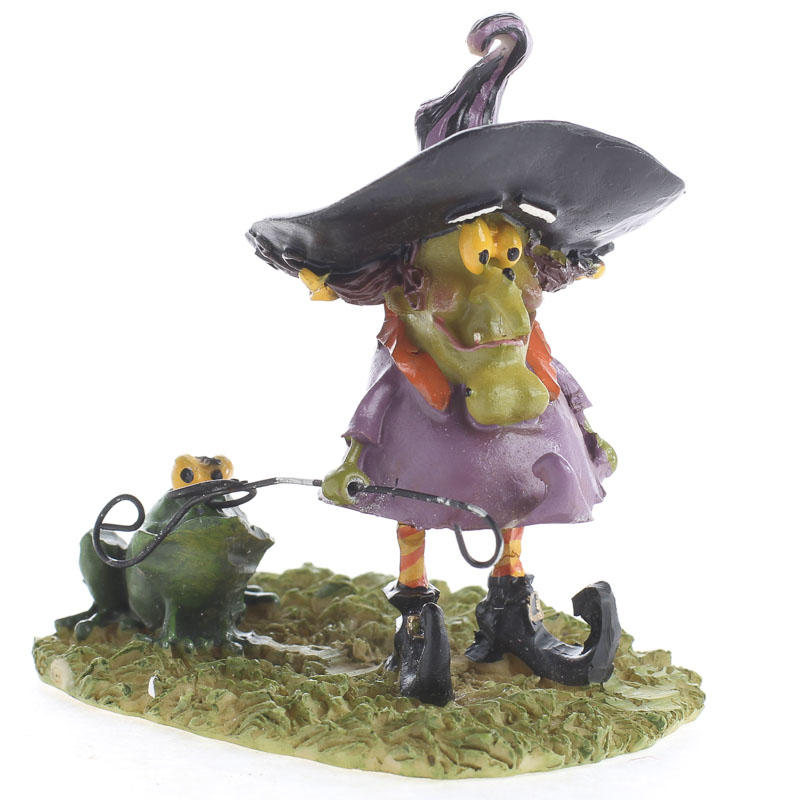 """""""Mary The Witch"""" Figurine"""