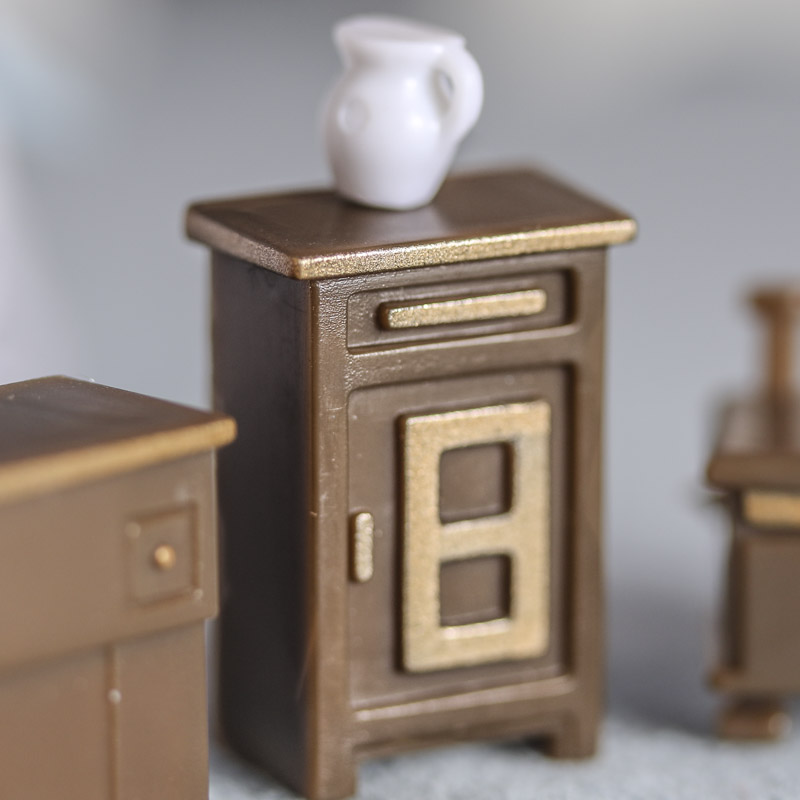 Dollhouse miniature furniture and accessories what 39 s new for Furniture accessories