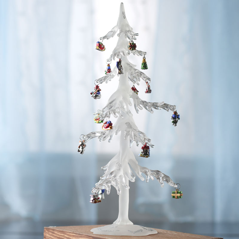 Icicle For Christmas Trees.Icicle Christmas Tree With Ornaments Table Decor