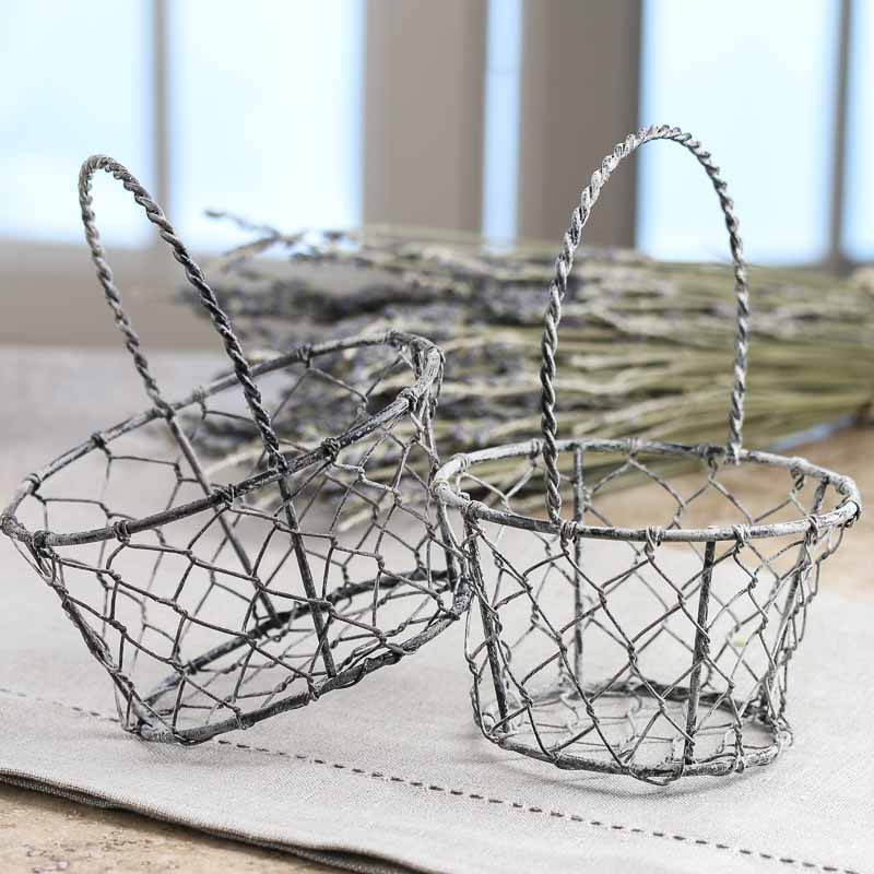 small country chicken wire basket what 39 s new home decor. Black Bedroom Furniture Sets. Home Design Ideas