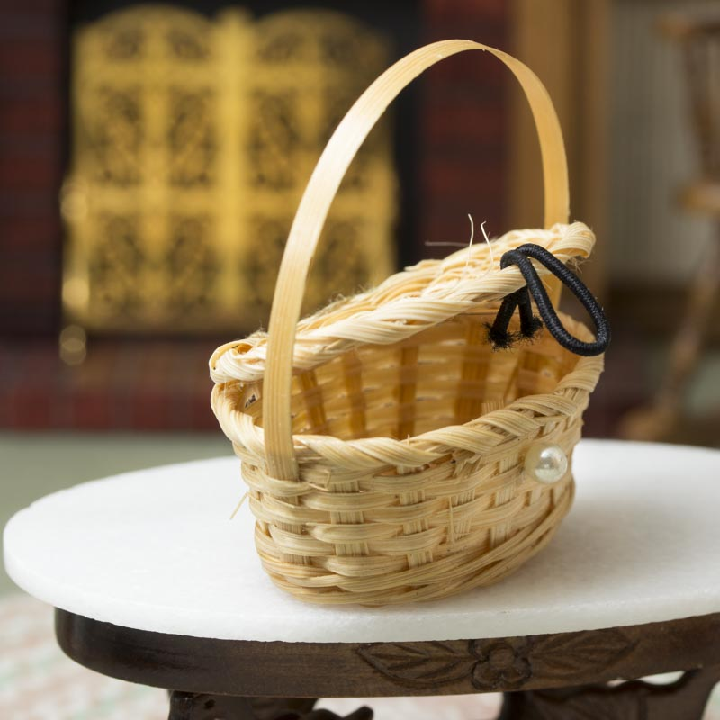 Miniature Wicker Picnic Basket - Kitchen Miniatures ...