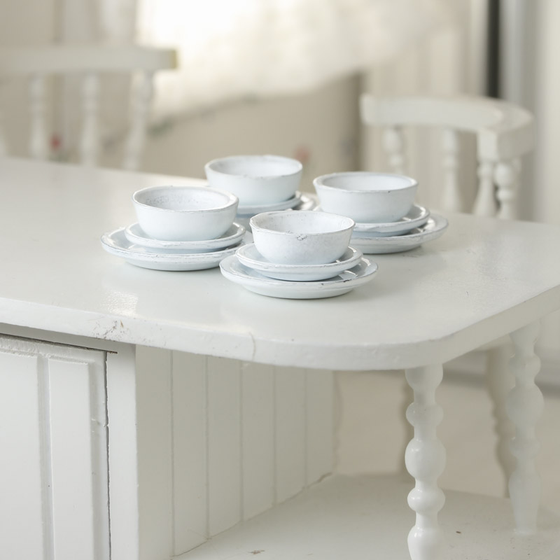 31ad752c1d3c4 Item  K4260 Your dolls will love adding a classic look to their kitchen  wares with these Dollhouse Miniature White Dish Set!