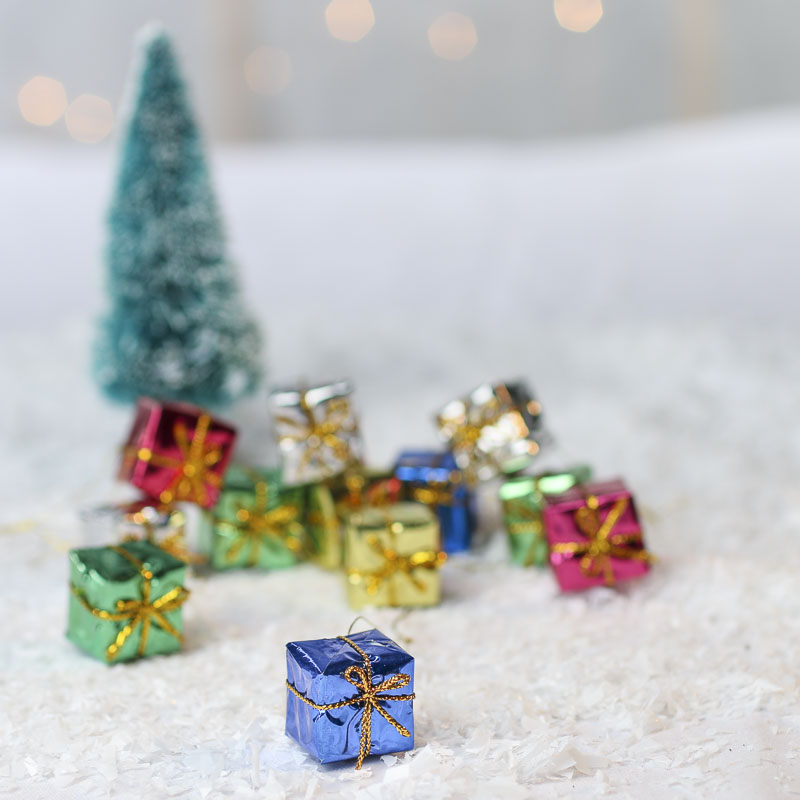 Christmas Miniatures.Assorted Miniature Foil Gift Boxes