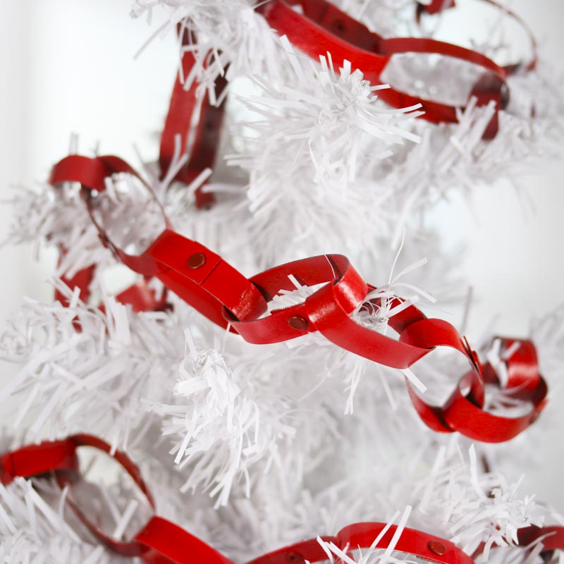 Retro Red Chain Link Garland Christmas Garlands