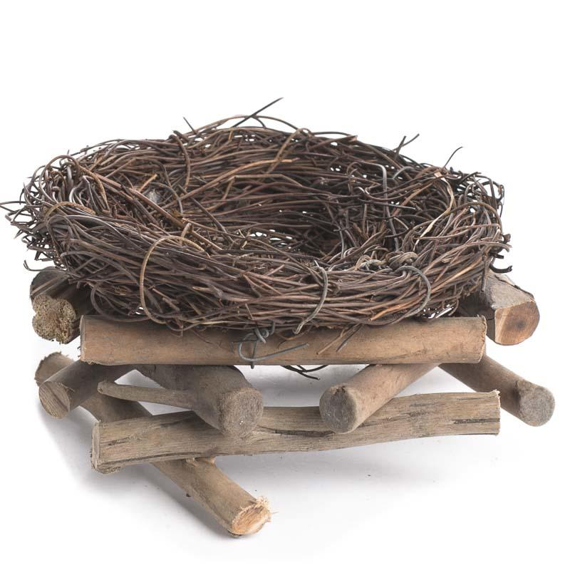 How To Weave A Basket Out Of Twigs : Woven twig bird nest basket