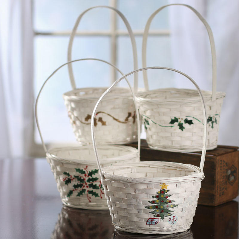 White Old Fashioned Christmas Wicker Basket Baskets