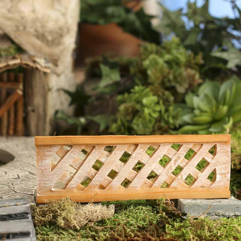 Gnome Garden: Miniature Faux Wood Lattice