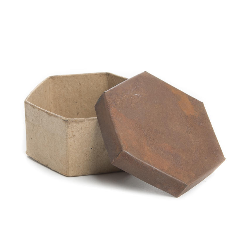 Rusty tin lid paper mache box paper mache basic craft for Craft paper mache boxes