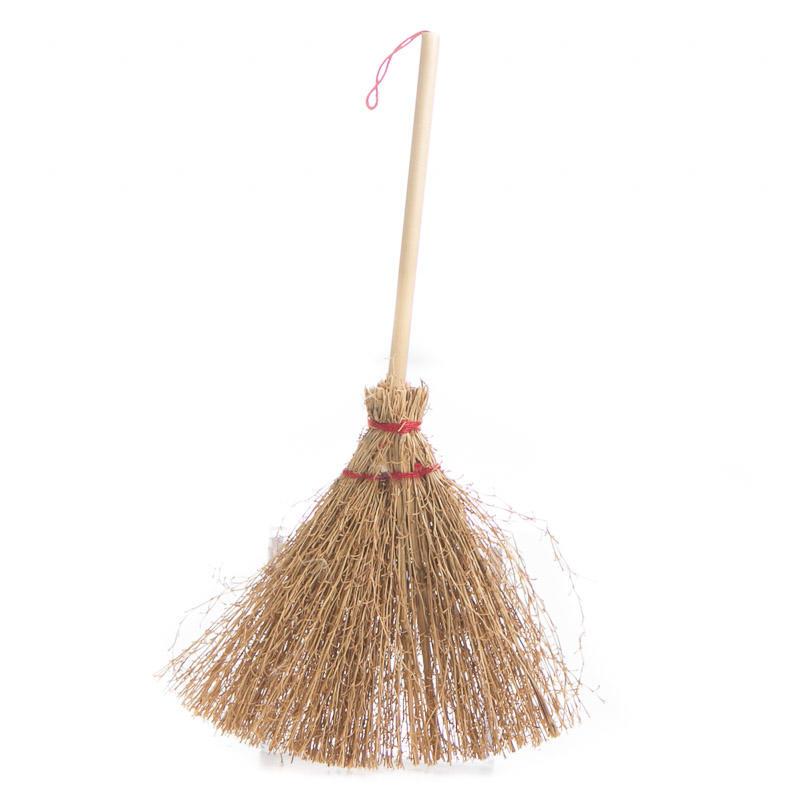 Wedding Broom Ideas: Miniature Straw Broom