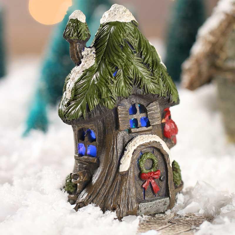 Miniature christmas woodland tree house christmas for Miniature christmas trees for crafts