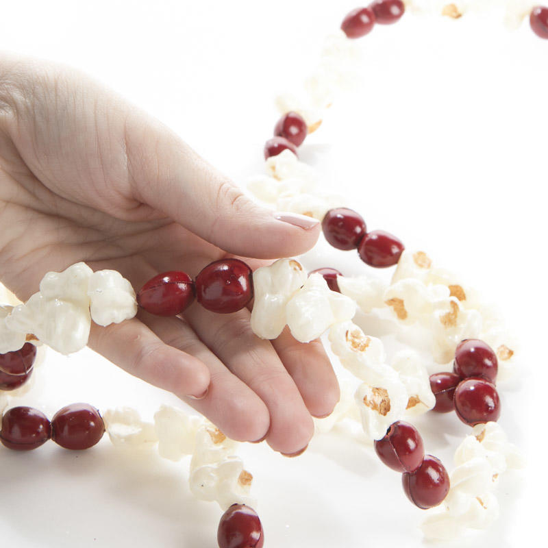 Artificial popcorn and cranberry garland christmas for Artificial cranberries for decoration