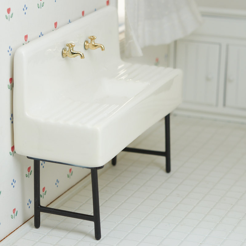 Dollhouse Miniature White Porcelain 1920/'s  Butcher/'s Sink ONLY