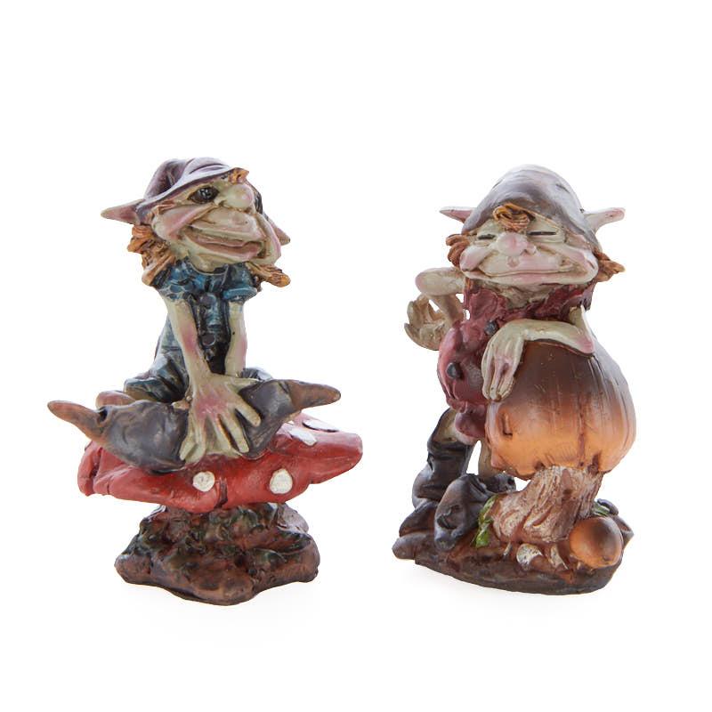 Gnome In Garden: Miniature Mushroom Garden Gnome