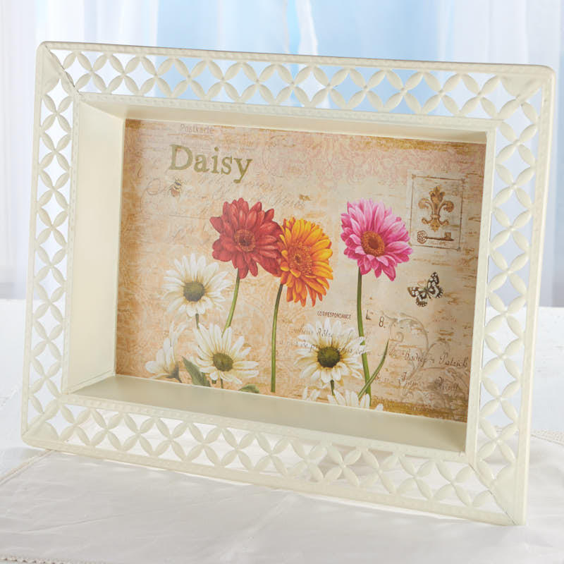 Vintage-Inspired Daisy French Decoupage Tray