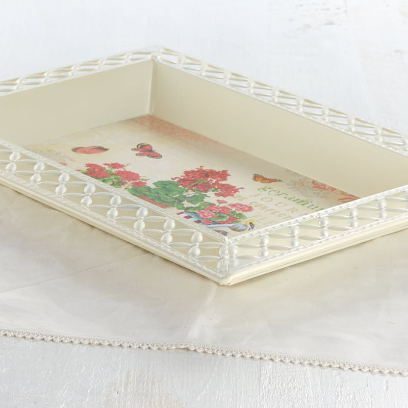 Vintage-Inspired Geranium French Decoupage Tray