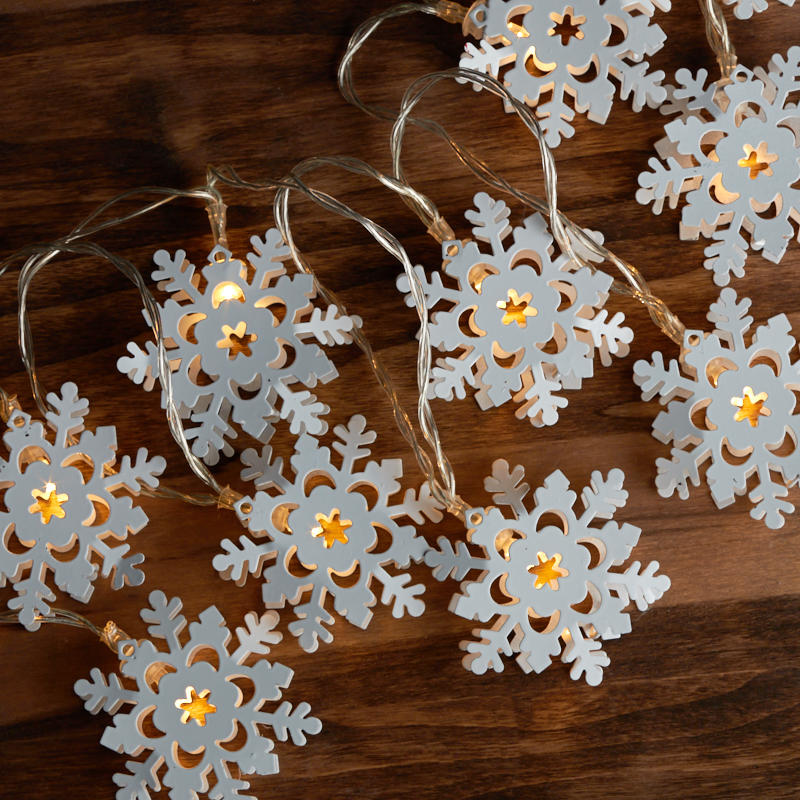 10 count battery operated snowflake string lights