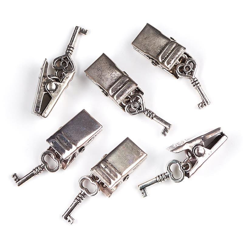 Antique silver skeleton key alligator clips scrapbooking for Small alligator clips for crafts