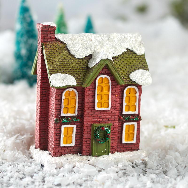Miniature Christmas Village.Miniature Christmas Village House