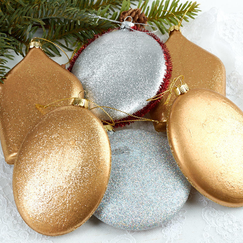 Assorted glass disc ornaments christmas ornaments for Glass discs for crafts