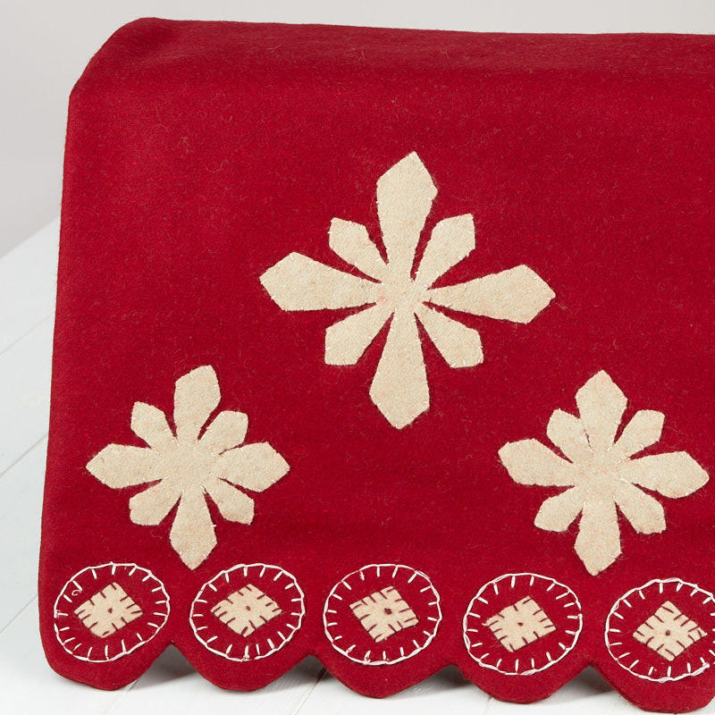 Snowflakes Table Runner - New Items