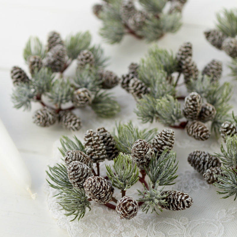 Christmas Candle Rings.Artificial Pine And Pinecone Candle Rings