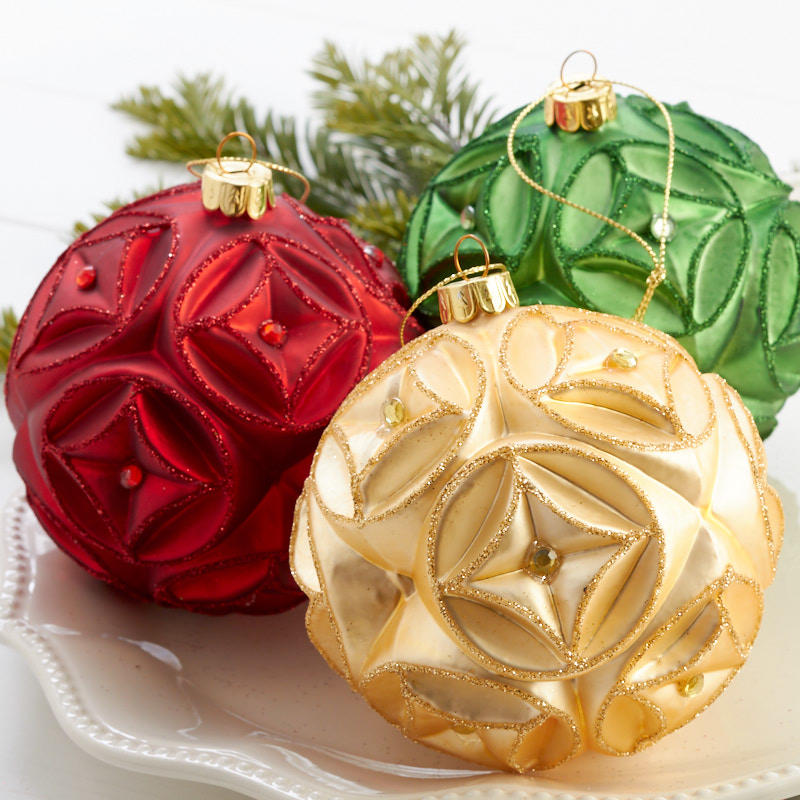 Christmas Ornament Set.Green Gold And Red Ball Ornament Set