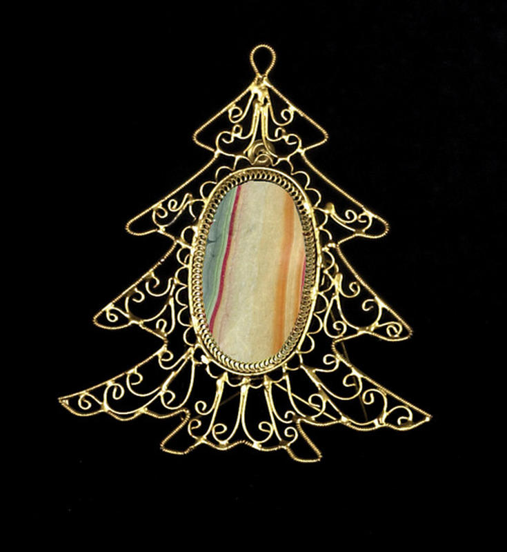 Wire Christmas Tree Frame - Christmas Ornaments ...